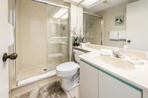 Full guest bath with large walk-in shower