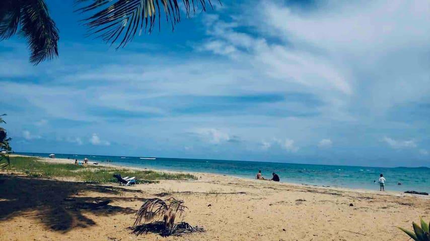 3BR & 3Bathrooms pool & 2min walk to Sandy beach