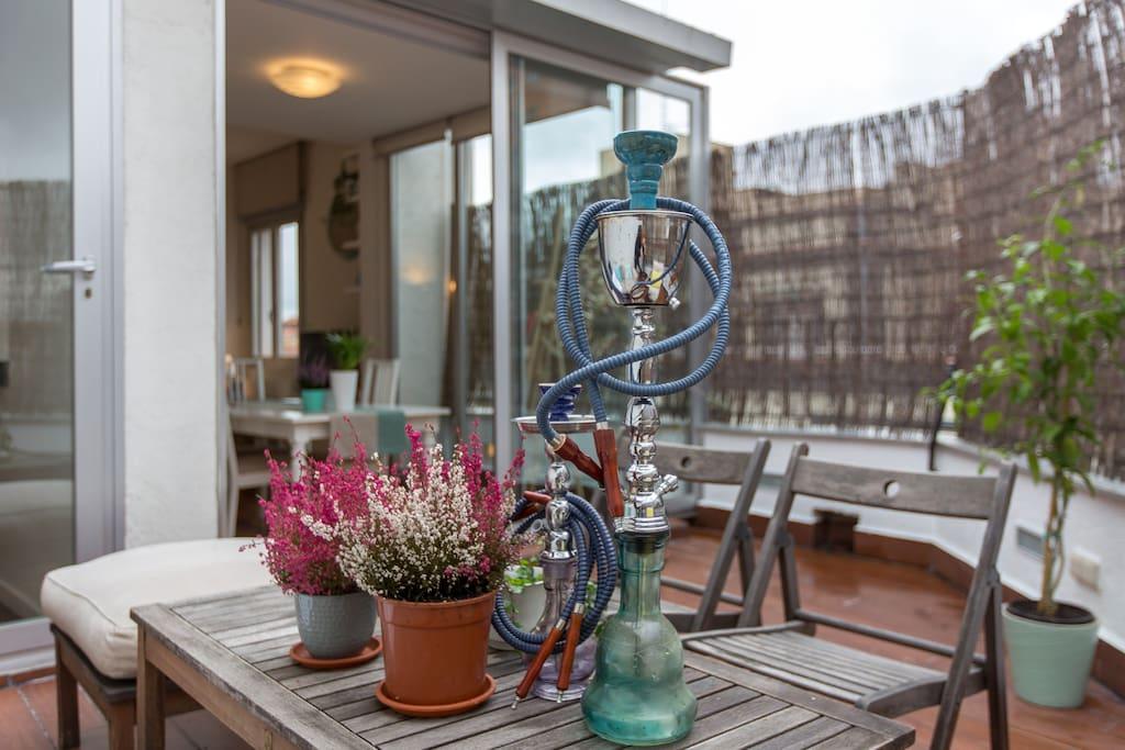 Chic habitaci n en tico c terrazas apartamentos en for Hoteles chic en madrid