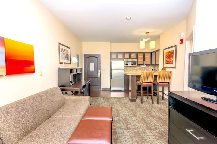 Classic Double Two Double Beds One Bedroom  At George Bush Intercontinental Airport Area