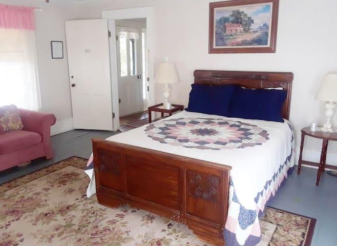 Inn at Salado - Barton Room