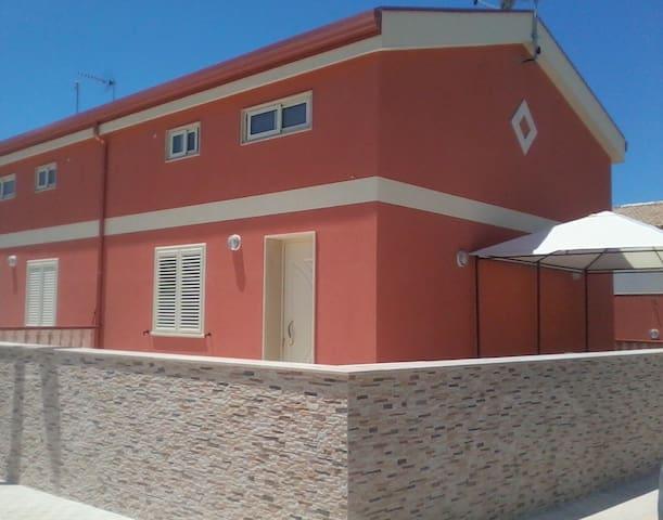 Casa vacanze sulla spiaggia di Montalbano
