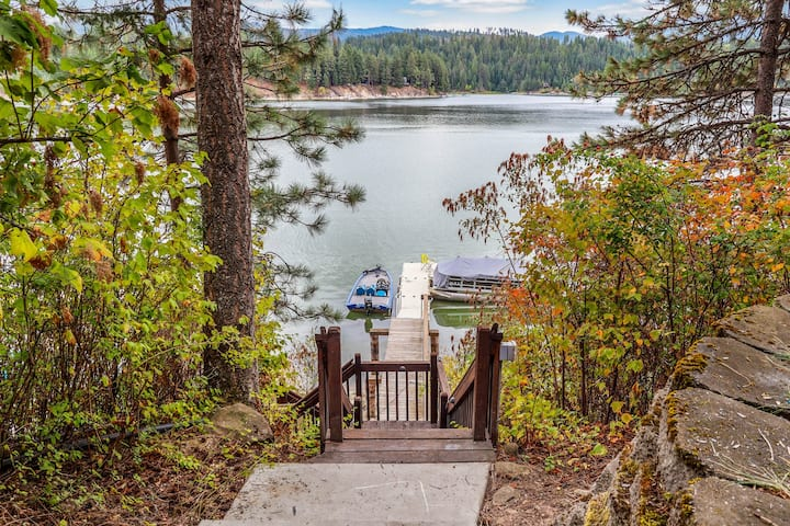 Secluded lake view home w/ access to a shared dock & beach!