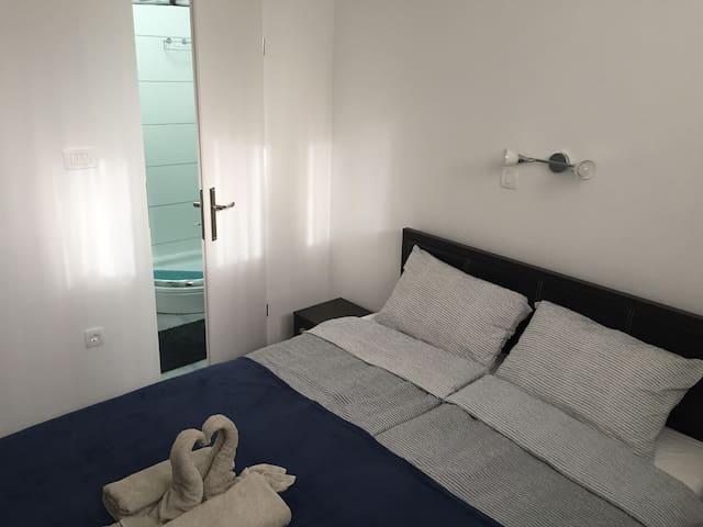m-blok  Room no.3