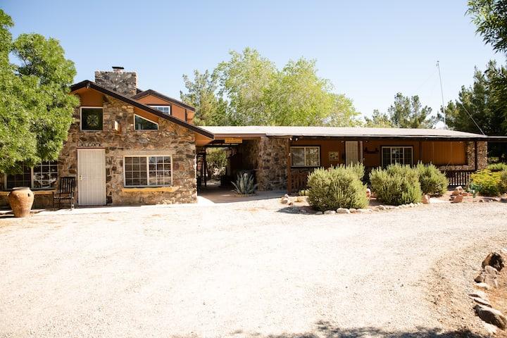 2 Houses! 5bd4ba Rustic Cabin Retreat Private Pool