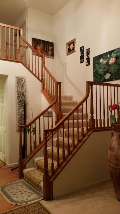 Inviting stair leading to second floor, to bedroom