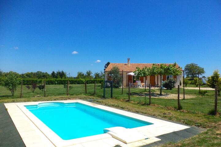 Maison Linchel sfeervolle villa met prive zwembad - Saint-Médard-d'Excideuil