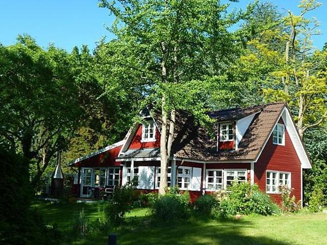 Exklusives Schwedenhaus direkt am See
