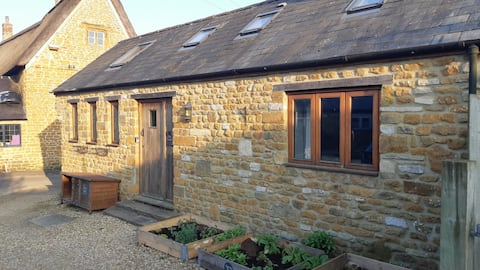 Self contained annexe next door to the perfect pub