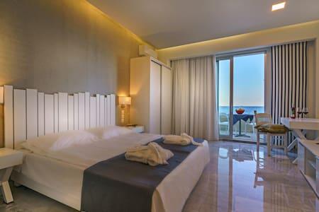 Meltemi Souites Sea view2 - Rethymno - Apartment