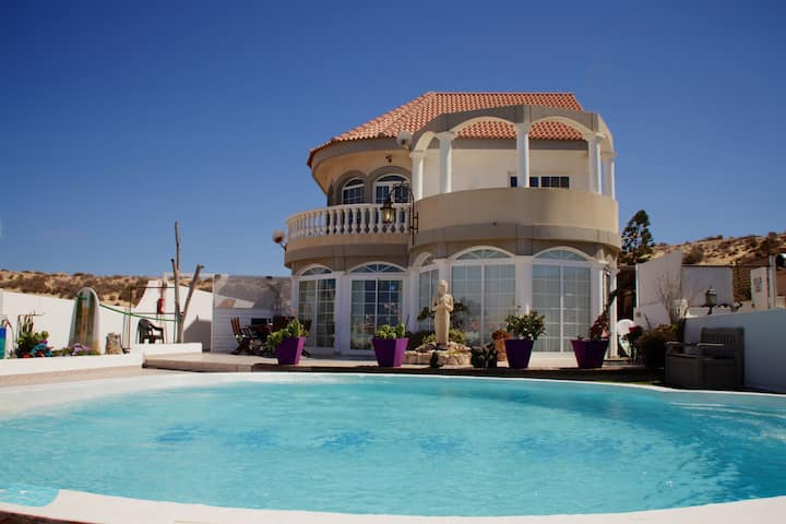 One-bed Apartment at large Private Villa with pool