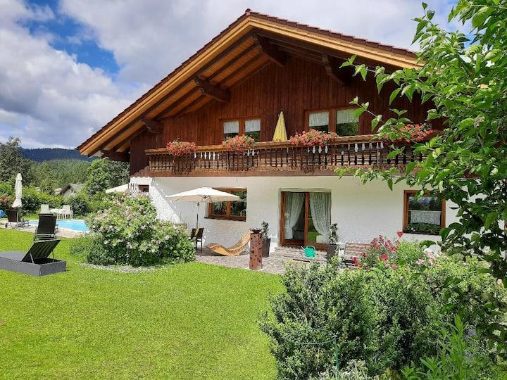 Gästehaus Seitz (Bayerisch Eisenstein), Ferienwohnung Sommergarten
