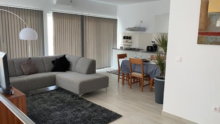 Beautiful Apartment Place and Holiday, Guaranteed