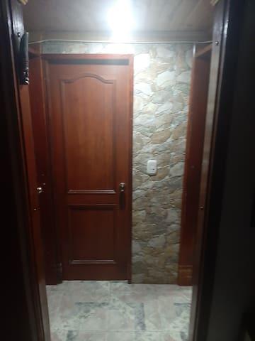 Habitacion  en el barrio Castilla, Bogota