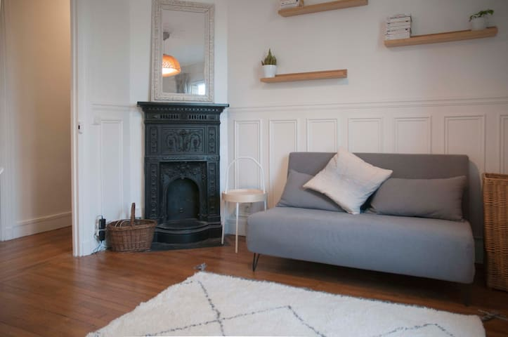 Splendid apt in BUTTES CHAUMONT - Professional Cleaning