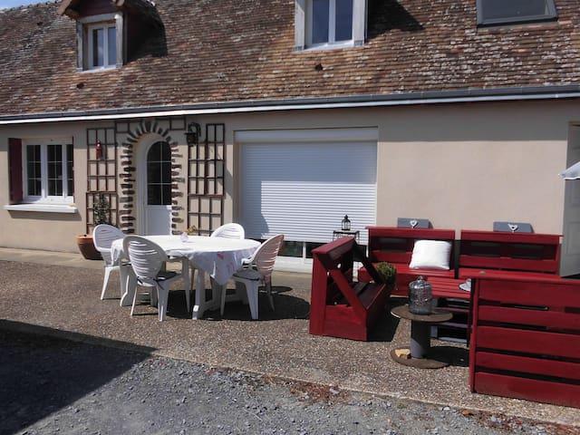 Belle longère au coeur de Roëzé sur Sarthe