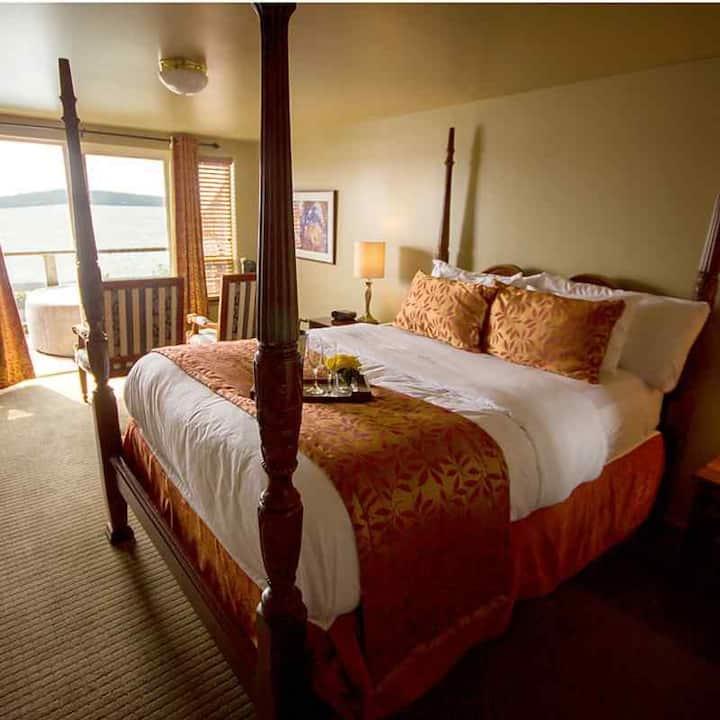 Camano Island Inn Room 5