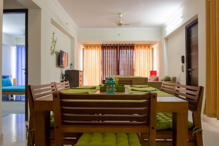 3 BHK Service apartment near Goregaon East Railway - Bombai