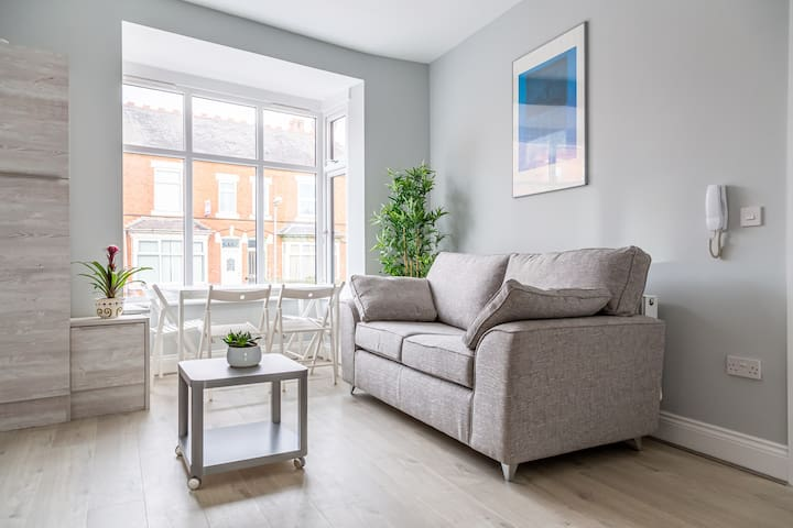 Modern 1 bed apartment - Close to City Centre!