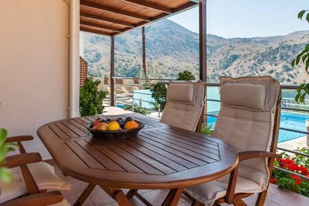 Villa REA, view to lake, White Mountains - Kavallos - 别墅