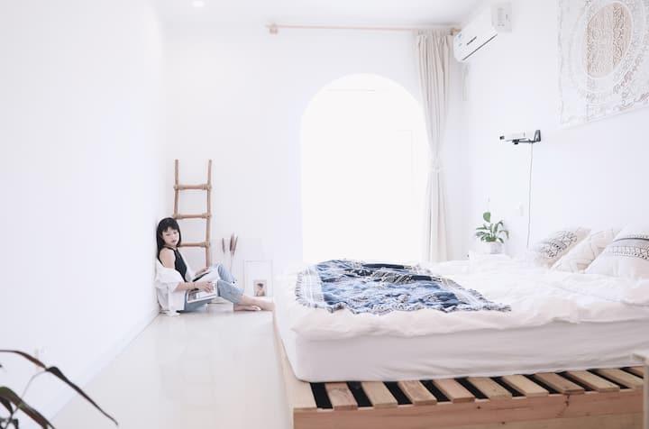 【逸休·room4  】素里 · 海景公寓、ins风 | 新茂业/燕山大学/小吃街 /新澳海底世界
