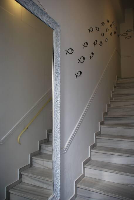 ΣΚΑΛΑ για τον 1ο όροφο