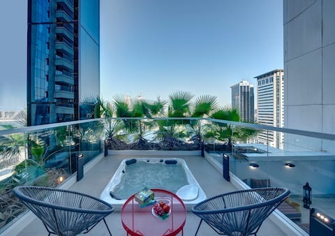 Private Jacuzzi Marina Penthouse | bnbme Homes