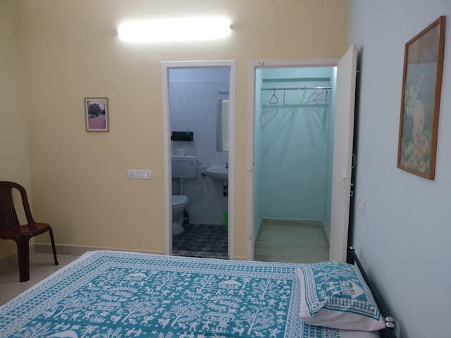 Private Room in Sholinganallur