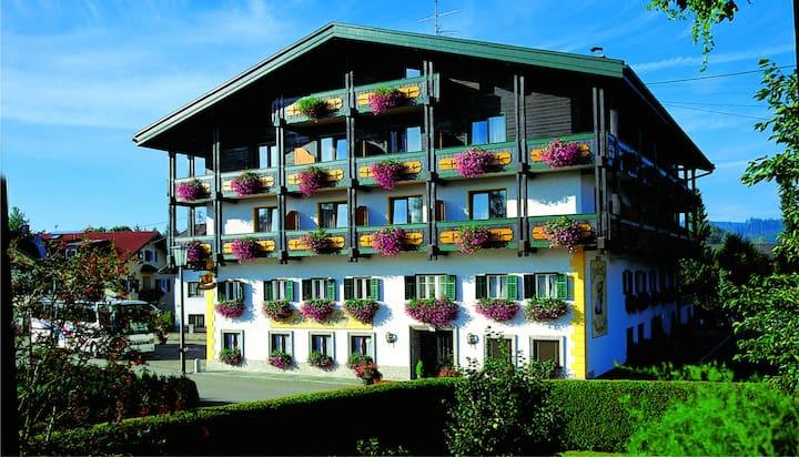 Tirolerhof - romantisches Doppelzimmer mit Balkon