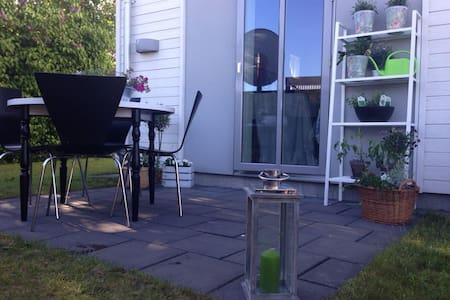 Garden studio apartment - Halmstad