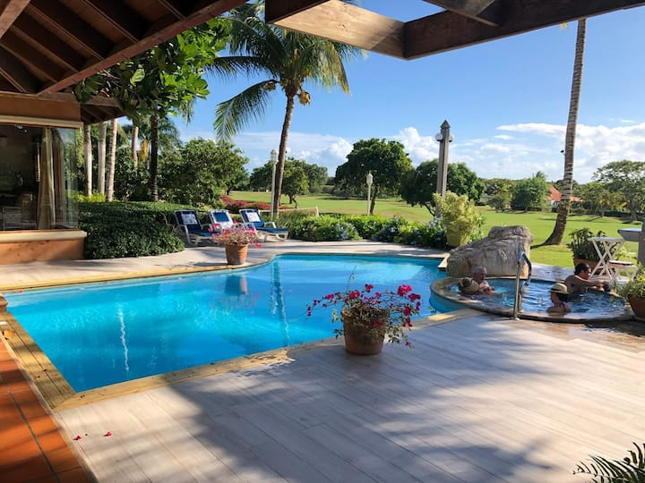 LOW RATES  FALL/WINTER - Near Beach 4BR Golf View
