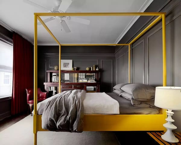 Private bedroom in a new building/luxury amenities