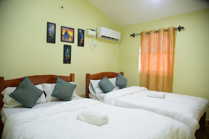 Cozy AC Apartment with Kitchen near Vagator beach