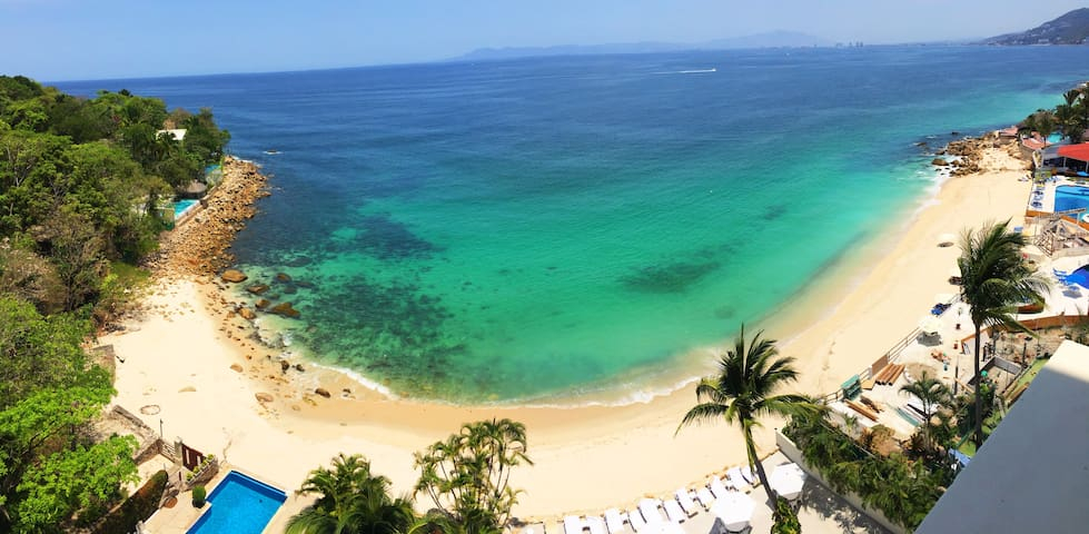 Best Beach in PVR! 6 pax, 3 BR, 4.5 BATHS - Puerto Vallarta - Apartment
