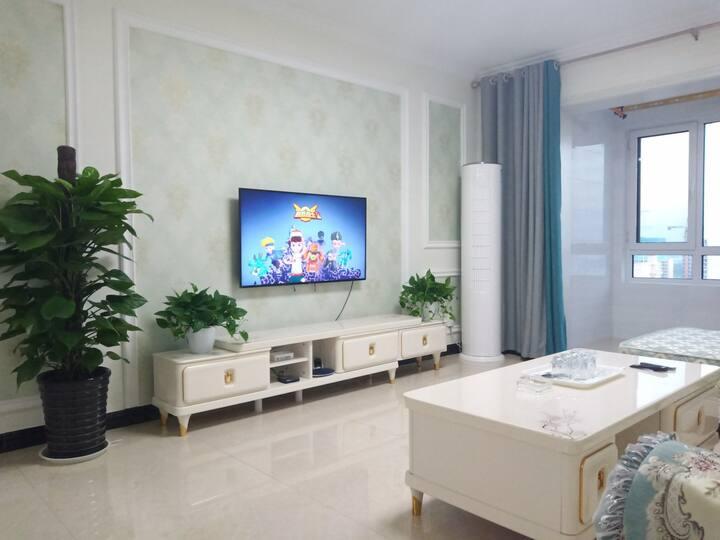 万达广场温馨三居室