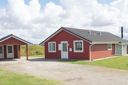 Sommerhus m. spa og sauna - Løkken - Blockhütte