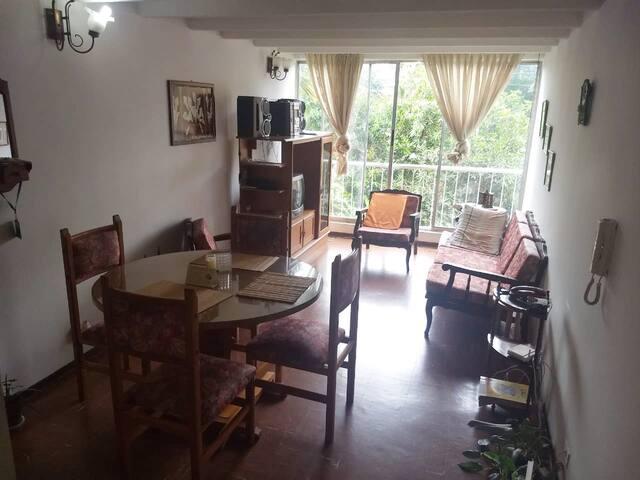 Apartamento Amoblado - Meléndez