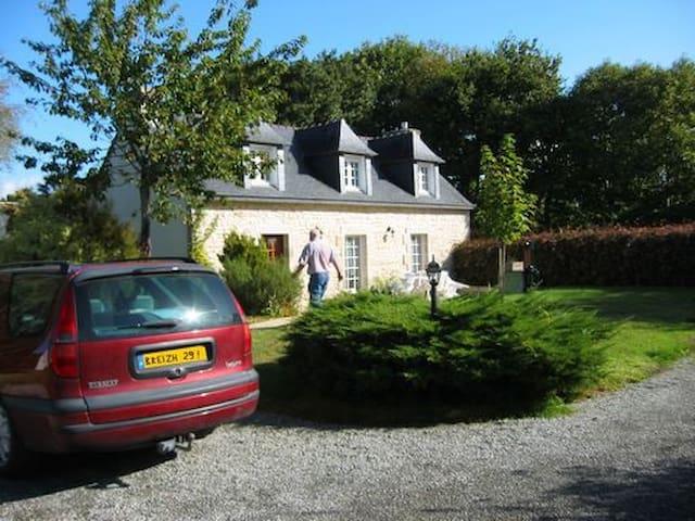 Penty breton à 3 km de la mer au calme en campagne - Fouesnant - Casa