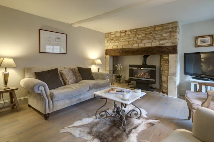 Stunning Cotswold Cottage - Gloucestershire - Ev