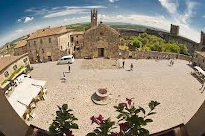 Charming In Piazza Diplomatic Suite - Monteriggioni - Apartment