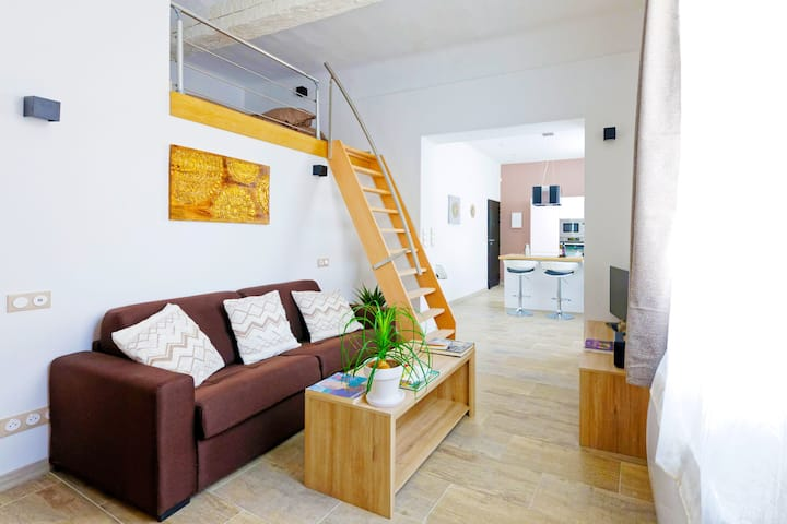 AIX VERY CENTRAL, BRIGHT & MODERN APARTMENT ❤ AC