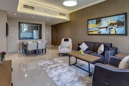 Luxurious 2 Bedroom Apartment Barsha Heights
