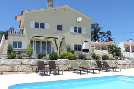 Sunny and spacious apartment with swimmingpool - Alcobaça