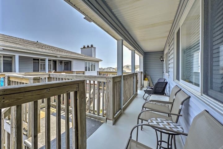 Central Sea Isle City Condo - 1 Block from Beach!