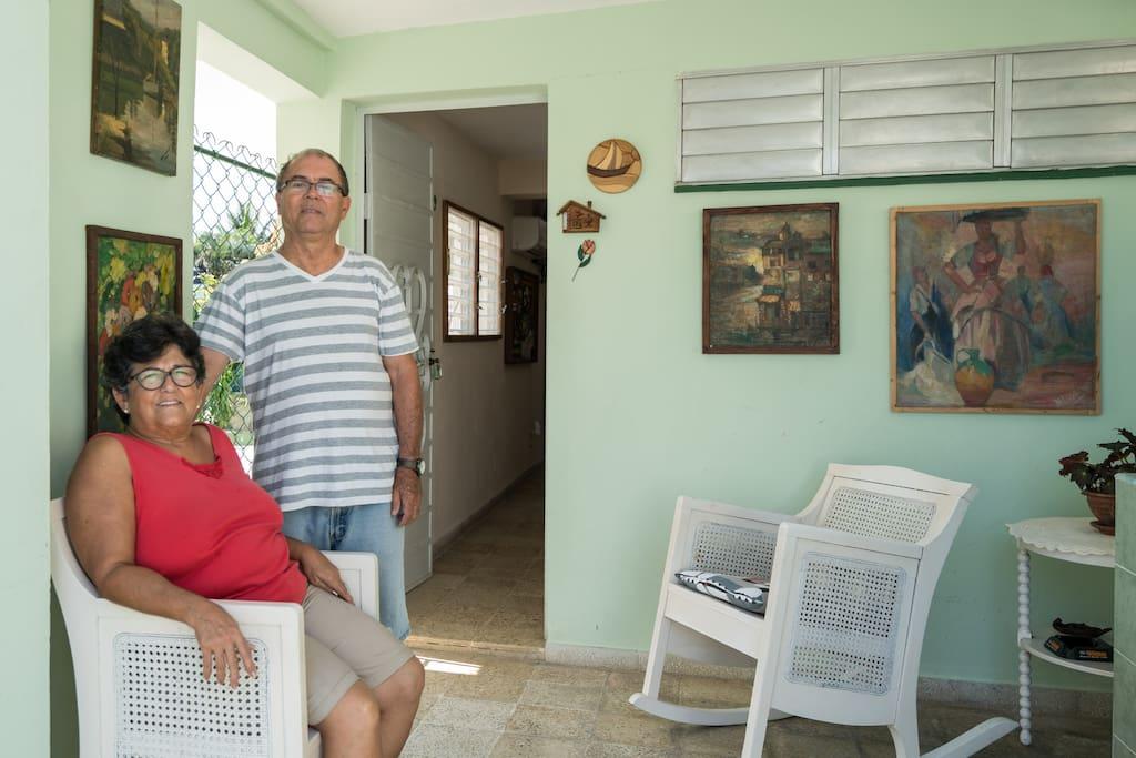 Elia y Armando te invitan a hospedarte en Quinta Santa Fé.