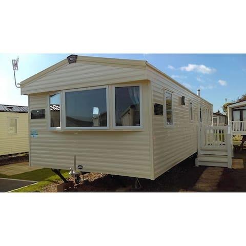 Lazy Weymouth Days Caravan Hire