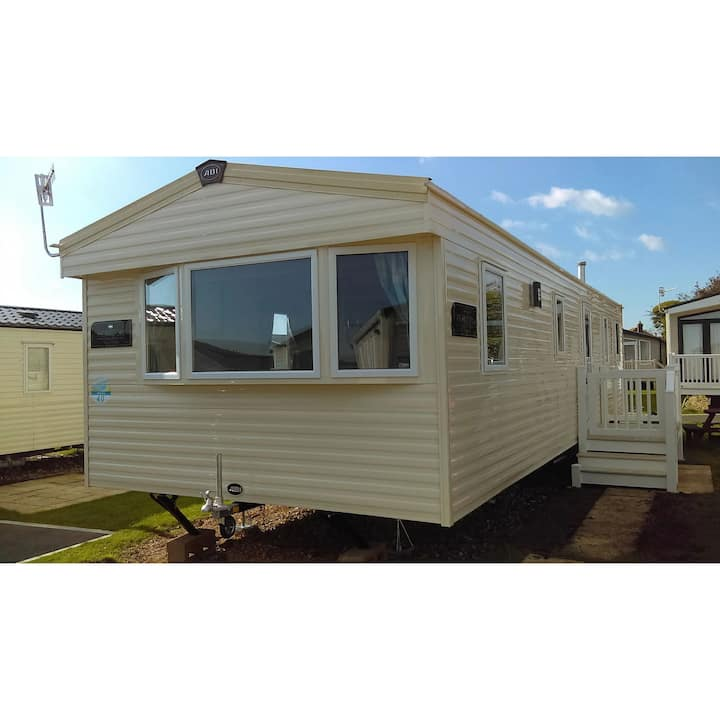 Lazy Weymouth Days Caravan Hire