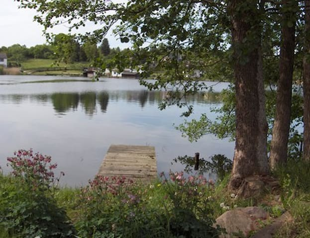 Wunderschöne Ferienwohnung kurzfristig frei - Feldberger Seenlandschaft - Lejlighed