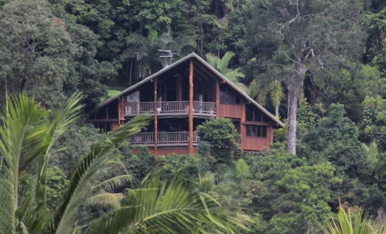 Eco Home in rainforest with Stunning Views