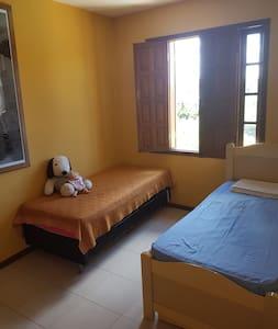 2 camas de solteiro casa de familia